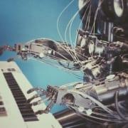 """A Inteligência Artificial pode ser considerada """"dona"""" de uma obra?"""