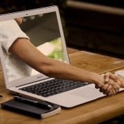 Como conquistar a confiança no trabalho remoto?
